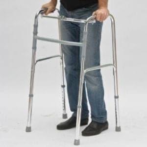 Как ходить с ходунками после инсульта