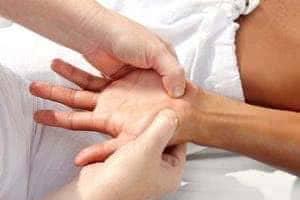 Особенности массажа рук после инсульта