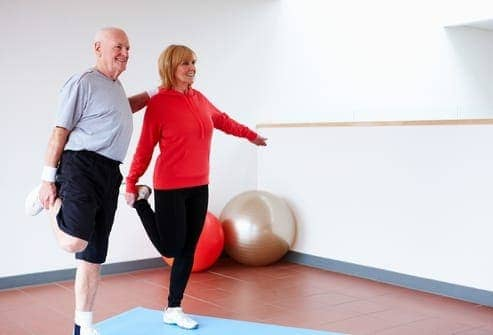 Тренировка координации при инсульте стоя