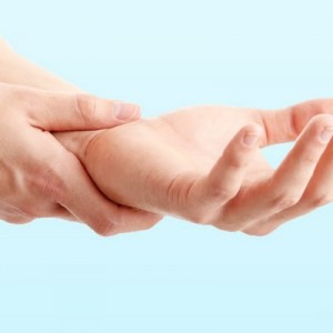 Растяжение мышц руки лечение и симптомы заболевания